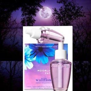 "NIB ""Moonlight Path"" Wallflowers"
